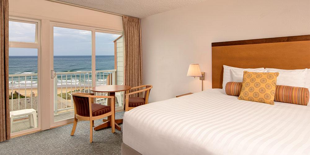 Deluxe rooms have amazing ocean views.