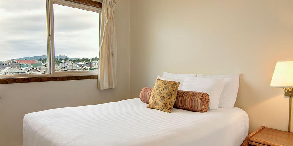 Queen-size pillow-top bed in each bedroom.
